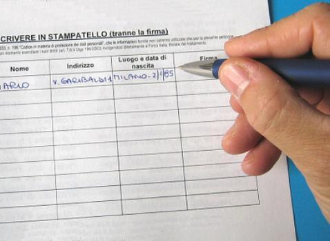 RACCOLTA FIRME PER DUE QUESITI REFERENDARI ABROGATIVI RELATIVI ALLA LEGGE 6 MAGGIO 2015 N.52